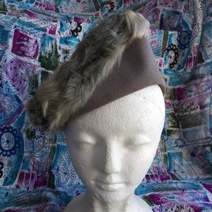VTG 1940s Gray Wool Lamb Fur Tilt Hat OS